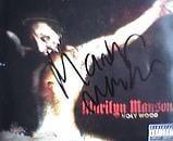 Portada del disco Holy Wood firmada por Marilyn Manson